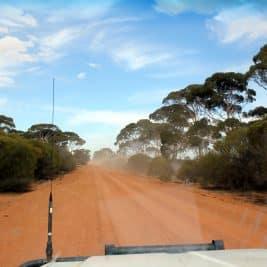 Travail dans le désert près de Perth
